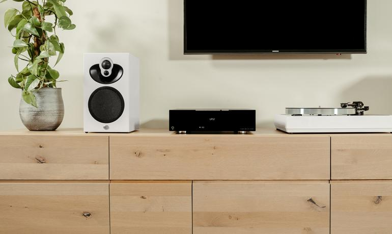 Linn Majik DSM with Majik 109 Speakers and Majik LP12