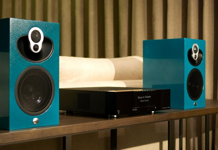 Linn Majik DSM with Majik 109 Speakers in custom finish