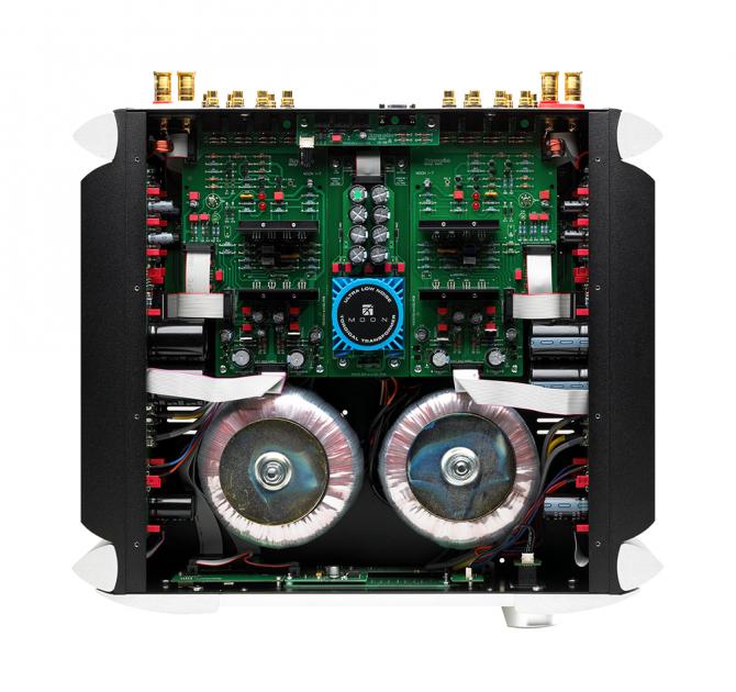 Moon 700i V2 Integrated Amplifier inside circuitry.