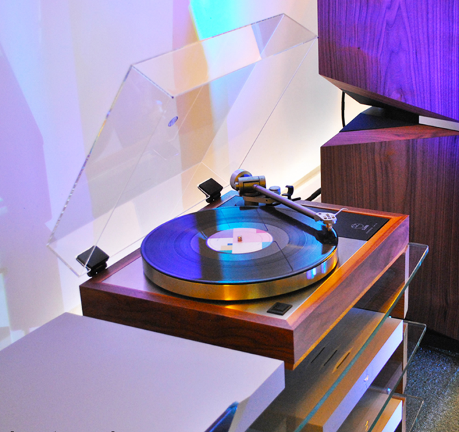 Linn Klimax LP12 Turntable playing The 1975 next to a Kudos Titan 808 speaker.
